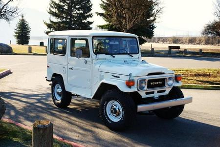 1983 FJ40 AC PS White