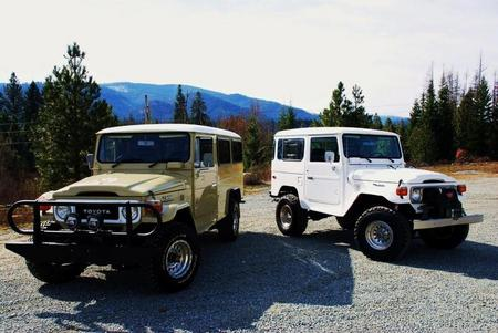 1982 FJ40 Troop Carrier & 1982 FJ40