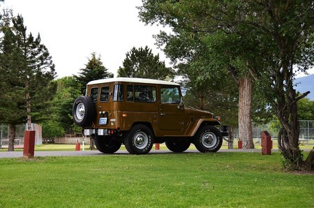 1977 FJ40 Olive Brown