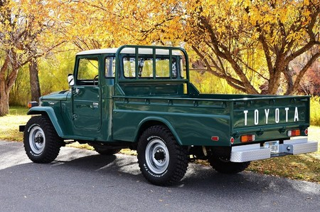 "1978 FJ45 Factory AC PS Paint is stock code 621 ""Rustic Green"""
