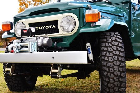 "1978 FJ45 HFS Barbell Shackles. Tires are BF Goodrich Radial Mud Terrain T/As (33"" x 10.5"" x 15"") mounted on factory wheels."