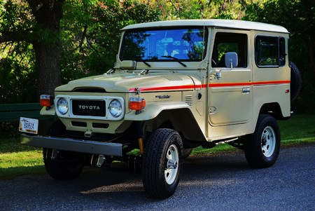 1983 FJ40 47,000 original miles. Factory AC & PS MINT