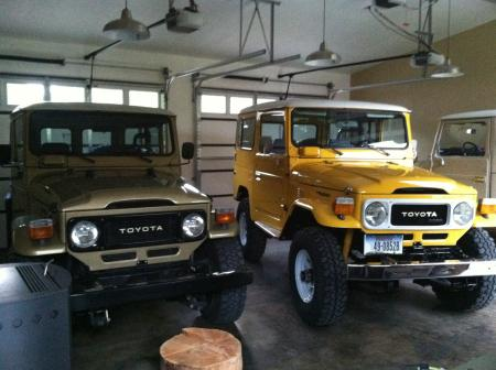 Two 1983 40's Custom Icon Gold 4.2 and a Canadian Super 3B diesel in Electric Yellow both with Factory AC PS